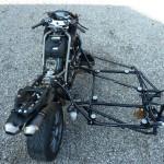 Le châssis de l'attelage est en tube 25CD4S comme celui de la moto. Un bon accouplement doit toujours être respectueux...