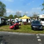 Spacieux et très bien équipé le camping de la Suze... et l'Alfa à Didier !