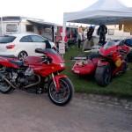 Eric est monté nous rejoindre avec sa Guzzi qui fera le Moto Tour sur l remorque derrière le Fiat...